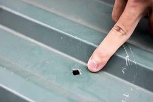 Cách xử lý mái tôn bị dột đơn giản, hiệu quả nhất hiện nay